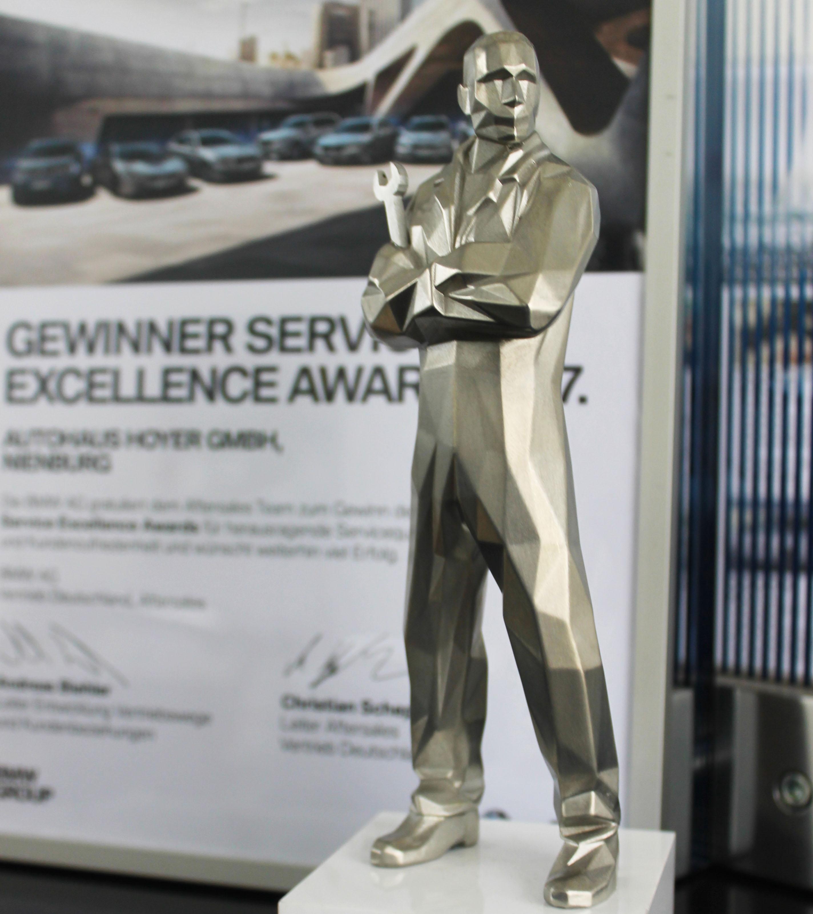 Nienburger Autohaus erhält Auszeichnung von BMW für exzellente Kundenzufriedenheit und Servicequalität