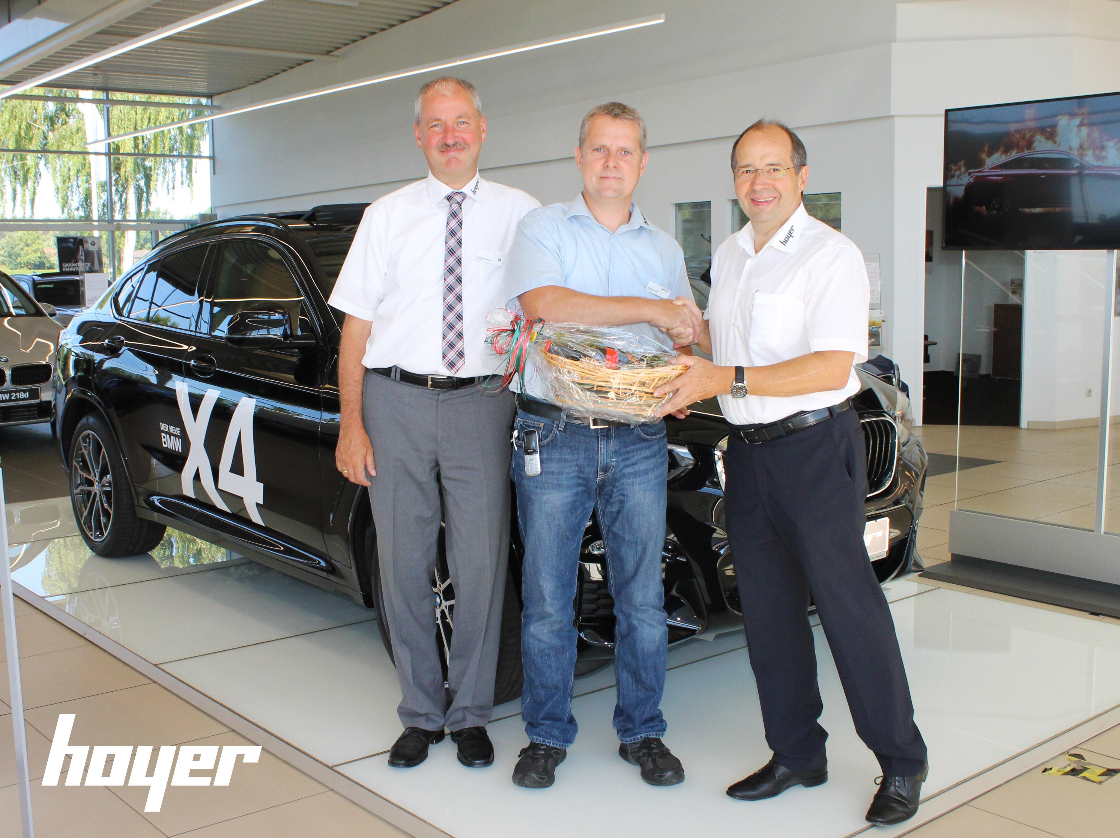 Alexander Frahm hat die Prüfung zum zertifizierten BMW Serviceleiter erfolgreich bestanden.
