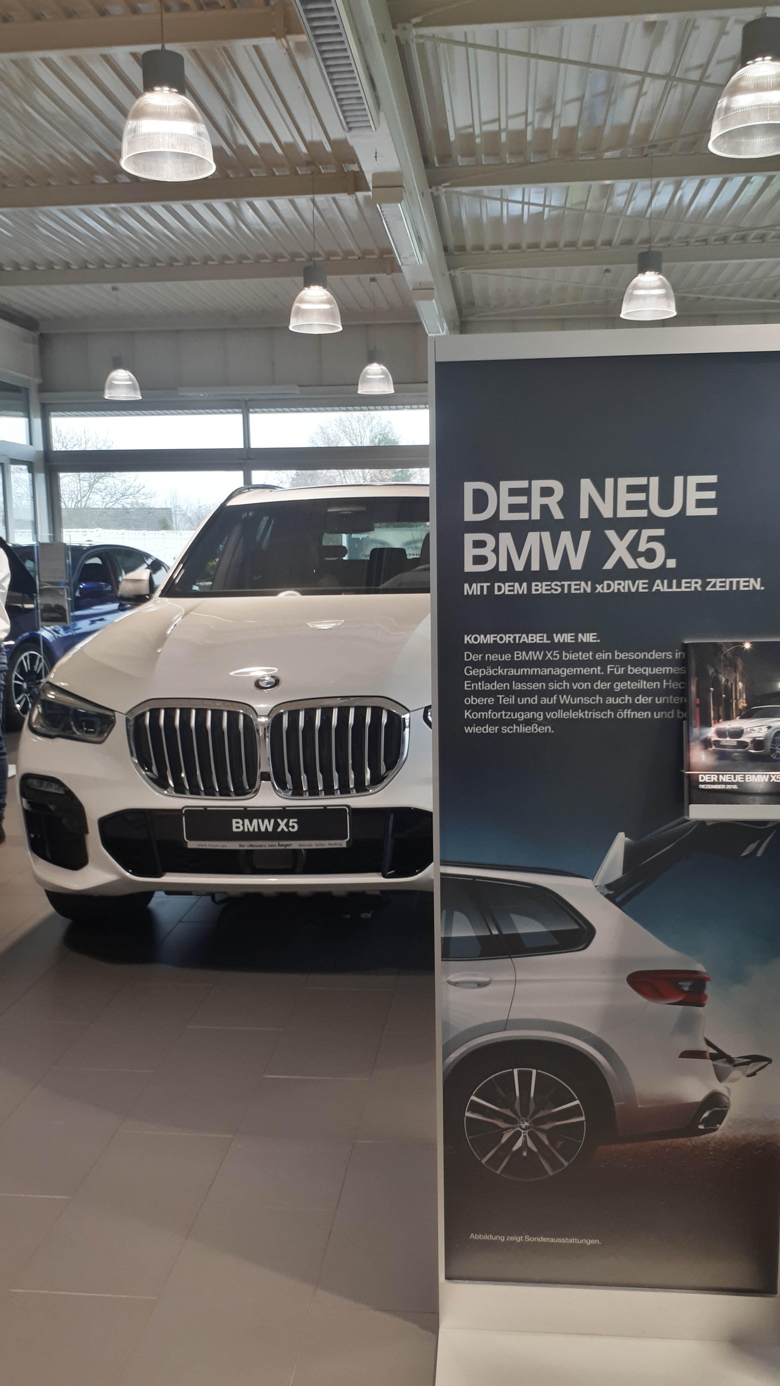 Der neue BMW X5 und das erste BMW 8er Coupé lockten zahlreiche Gäste nach Walsrode, Soltau und Nienburg.