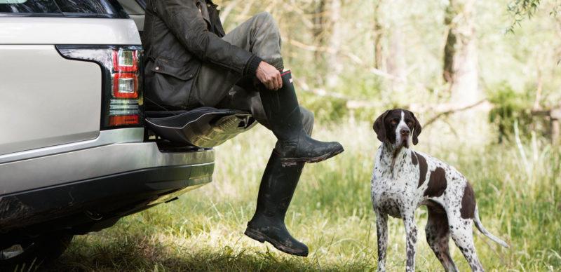 """Land Rover """"live"""" zum Thema Jagd im  Autopark Hoyer."""